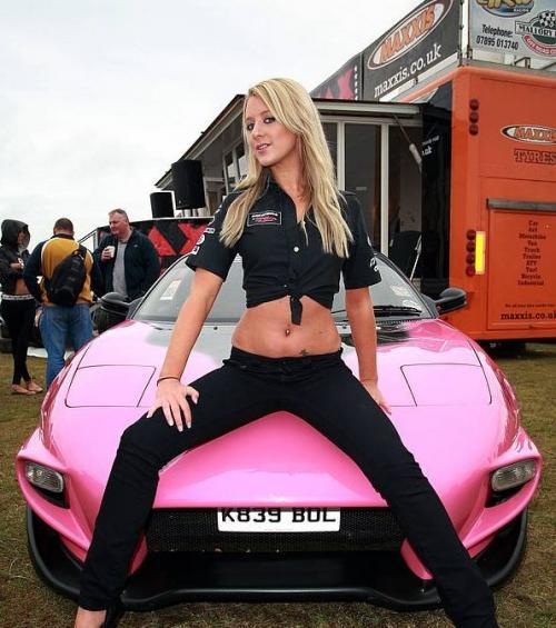 Car Show Babes'de Sergilenen Otomobiller